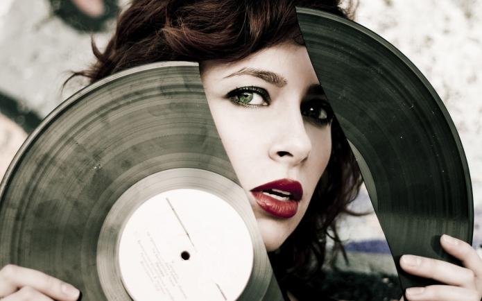 Vinyl 2880x1800